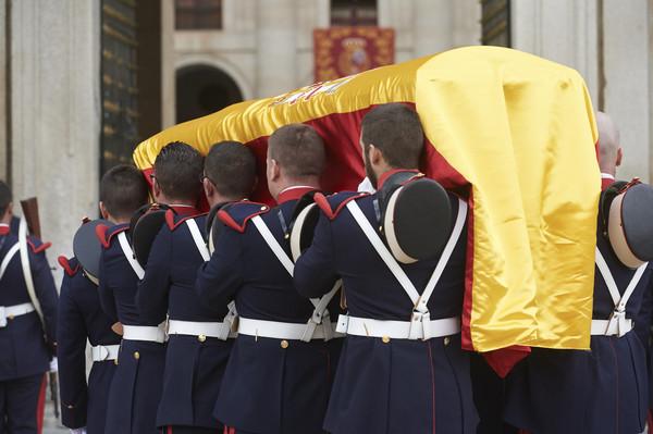 Funeral Infante Carlos Felipe VI Letizia Leonor Sofia Juan Carlos Reino de España Casa Real española