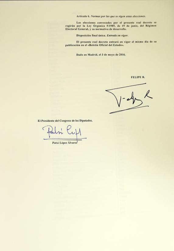 rey firma elcciones3