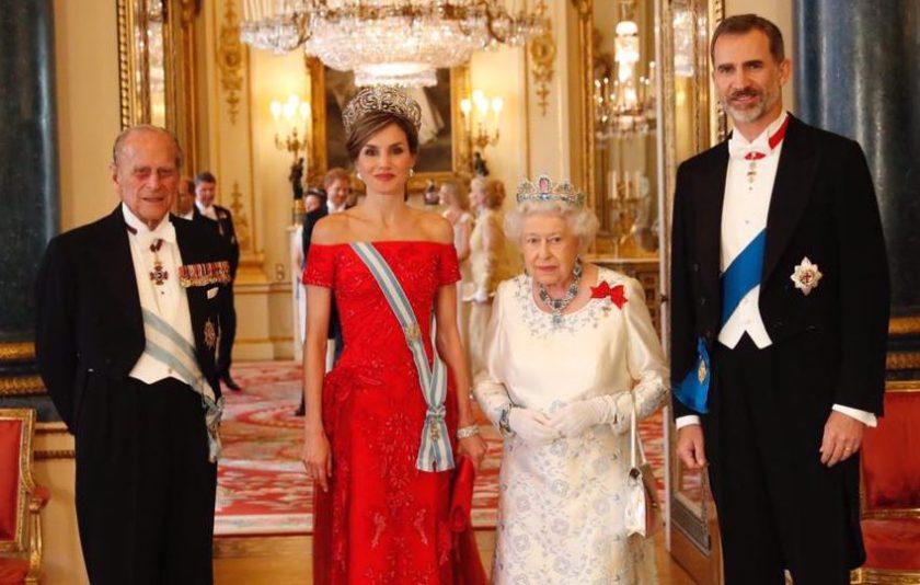 La corte inglesa a los pies de los reyes de espa a casa - Casa de los reyes de espana ...